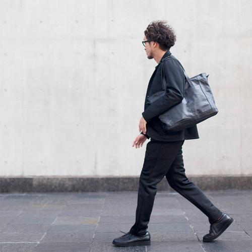 WONDER BAGGAGE|都市叢林 日本輕量耐磨 PVC 防潑水肩背包