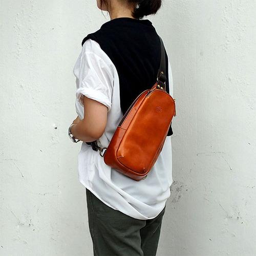 LESS DESIGN|城市冒險,日本休閒牛皮側背包/隨身包