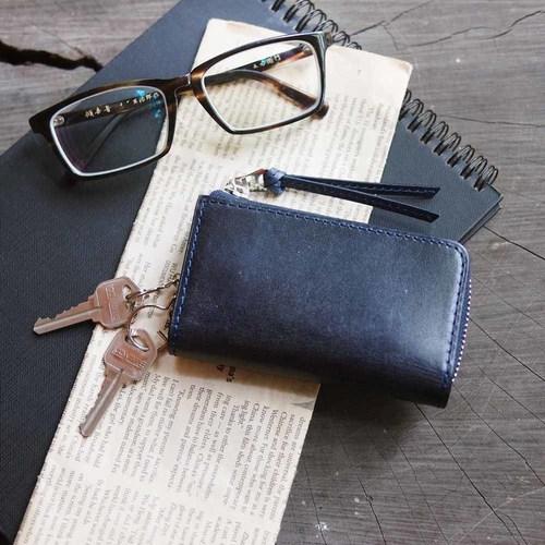 Baggy Port|日系手工藍染,經典植鞣牛皮拉鍊鑰匙包