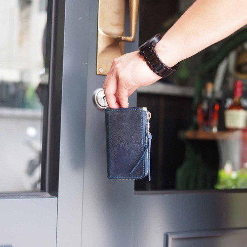Baggy Port 日系手工藍染,經典植鞣牛皮拉鍊鑰匙包