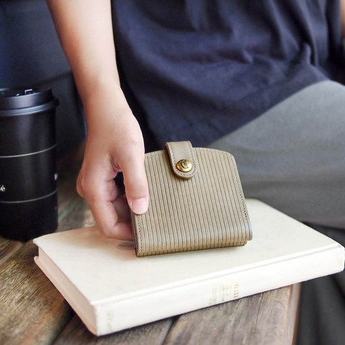 CLEDRAN|日系典雅 職人手工線條壓紋牛皮短夾