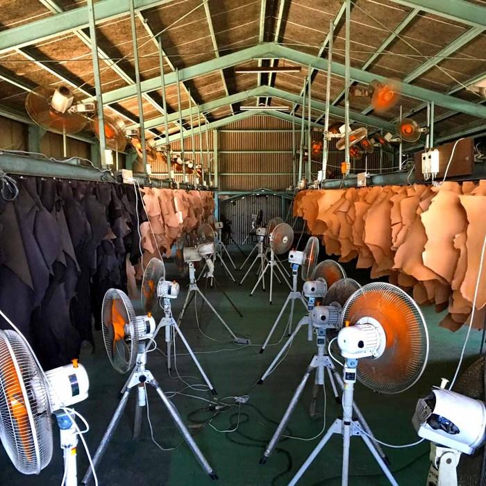 SLOW |日系內斂 沉穩質感牛革側背包