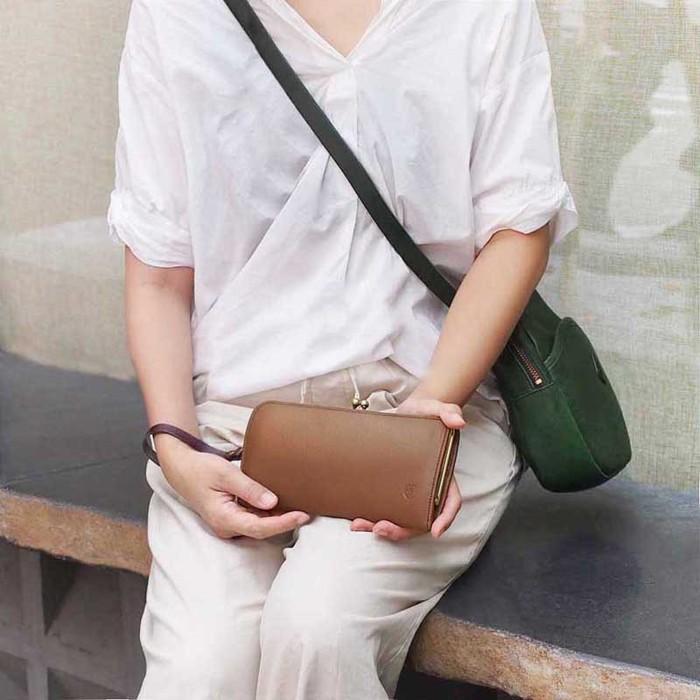 CLEDRAN|日系優雅珠扣植鞣多層牛皮長夾/手拿包