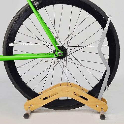 S E i c | 實木單車立車架