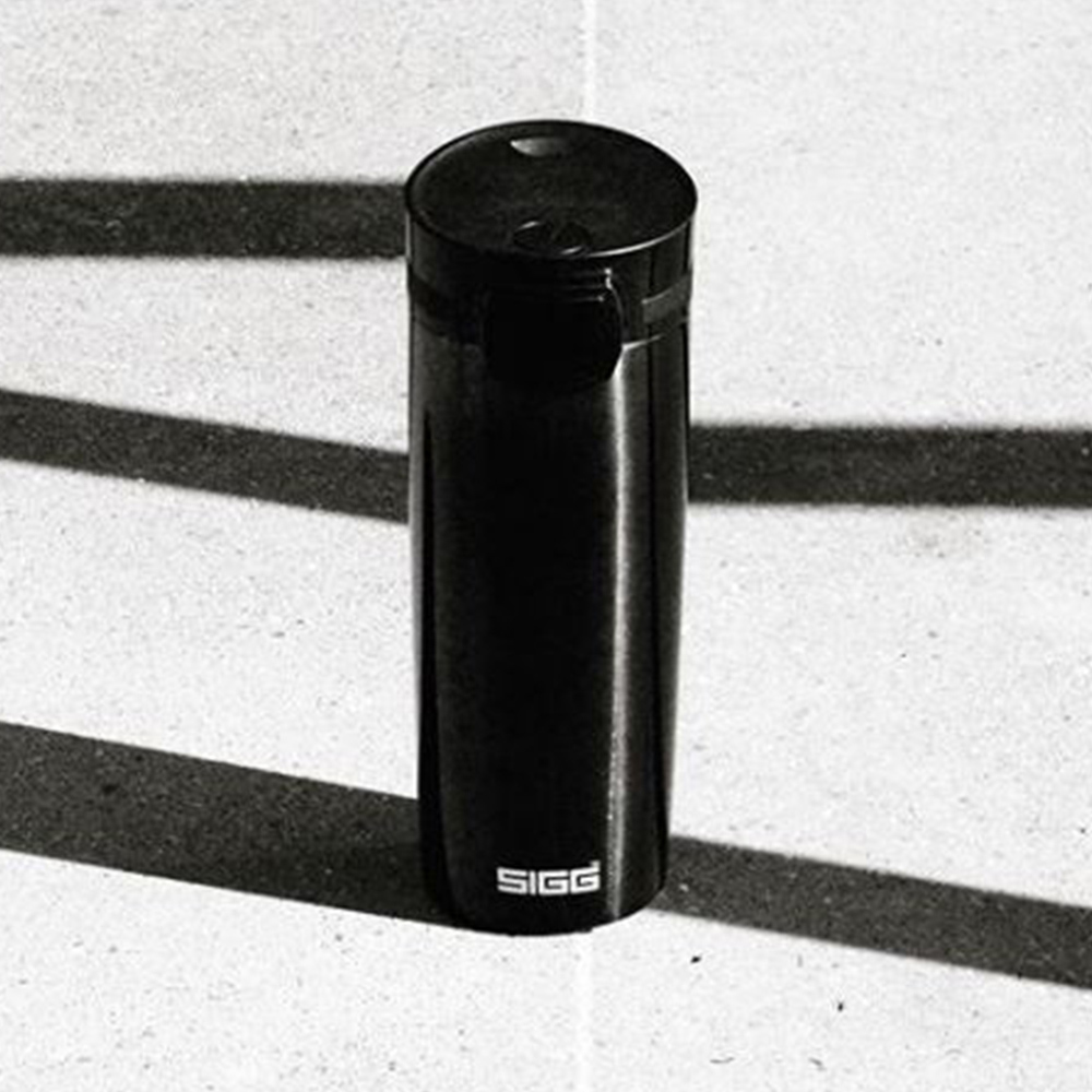 瑞士百年SIGG|米諾可保溫隨身杯 - 耀黑 470ml