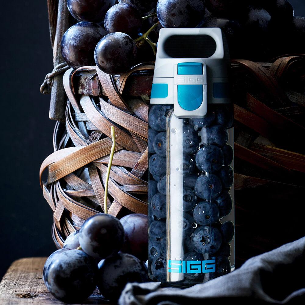 瑞士百年SIGG|全清透Tritan 水瓶 500ml - 勁藍