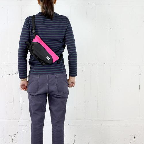 Drifter|防潑水三用小型隨行單肩包 (微甜粉+純然黑)