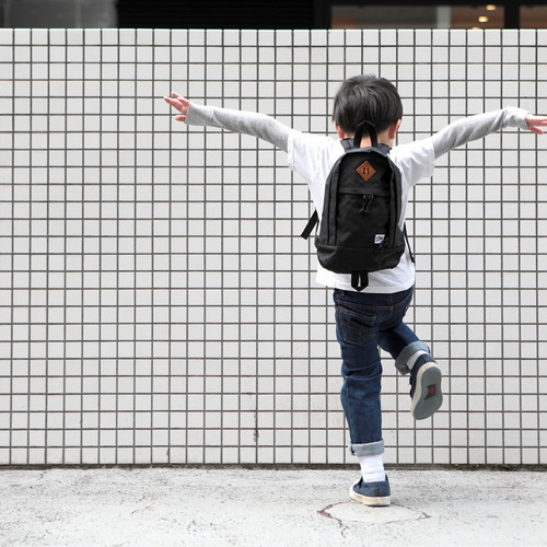 Drifter|防水抗撕裂兒童後背包 (純然黑)