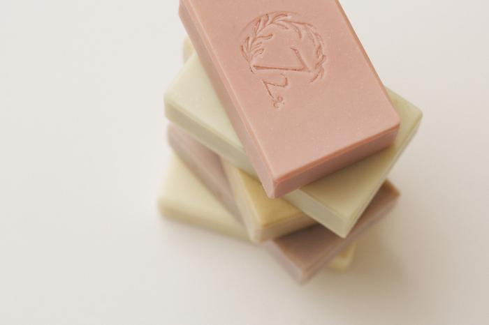 (複製)雪文洋行|粉紅水嫩臉部專用皂