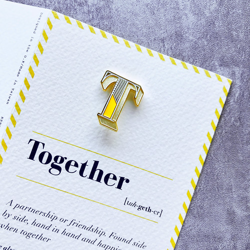PAPERSELF|琺瑯徽章卡 - T / Together