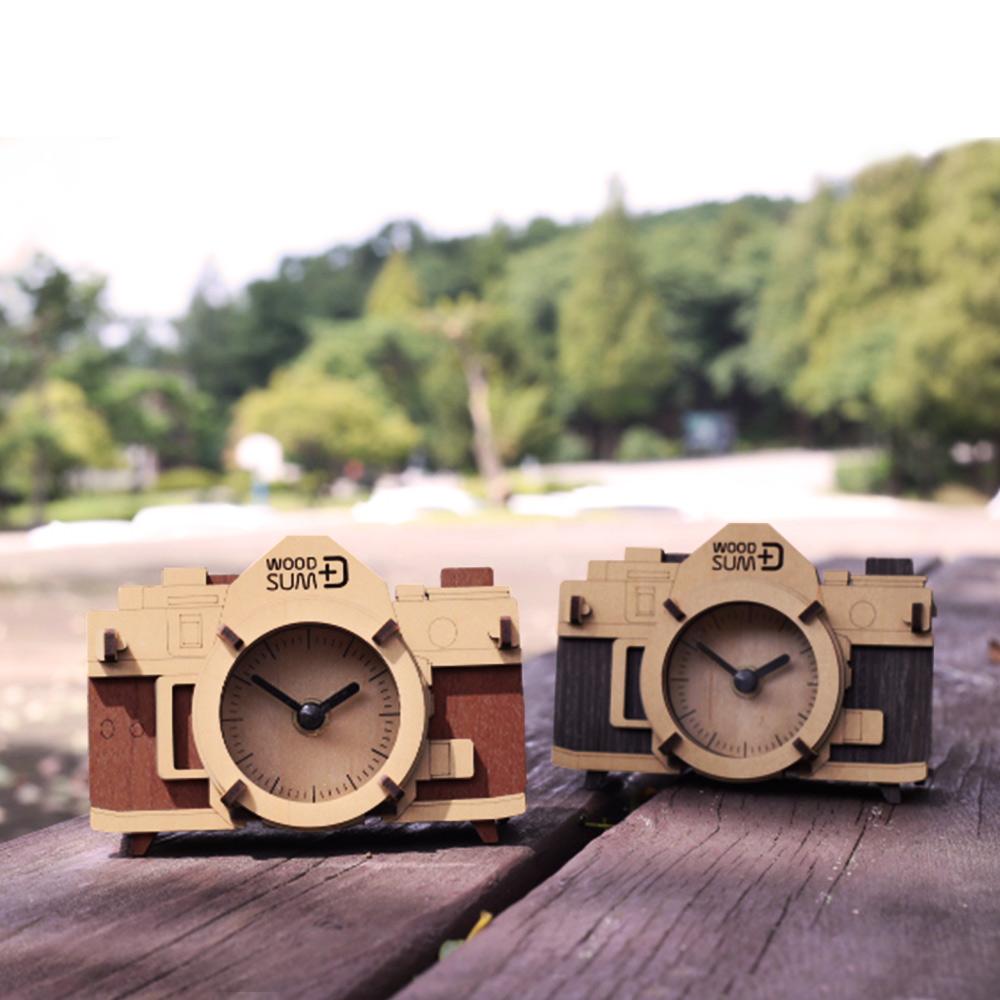 WOODSUM 輕手作。木製模型 - 復古相機時鐘 - 黑色款