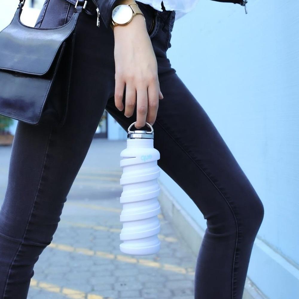 que Bottle 伸縮水瓶(600ml) - 附提把瓶蓋 - 香草白