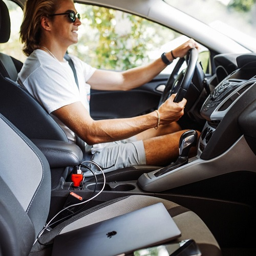 VogDUO   Charger Go  三倍極速車用充電器(時尚紅)(Switch&Macbook高速充電專用)