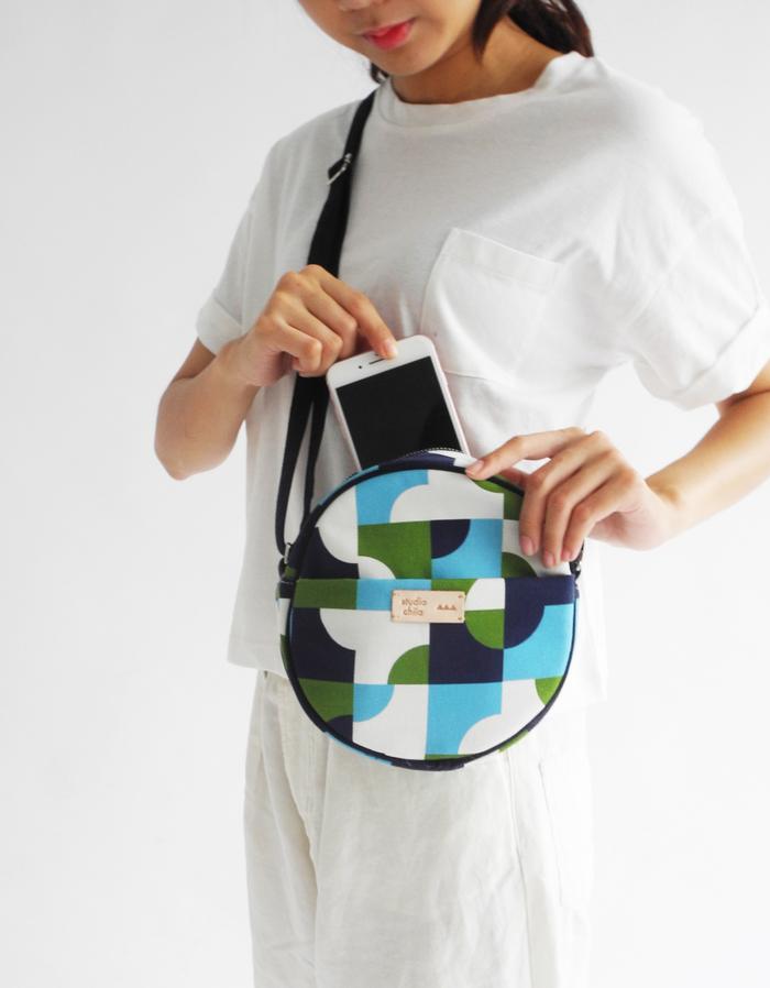 (複製)studio chiia好耘設計|印花小圓包-磁磚線|海軍藍