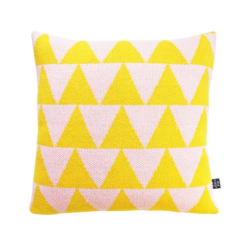 studio chiia好耘設計|針織抱枕套-黃粉三角