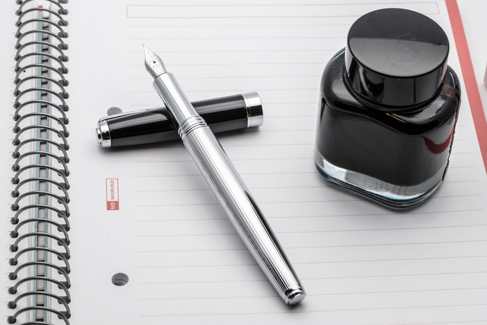 TIJ正德國尖銅質鋼筆 - 博士系列
