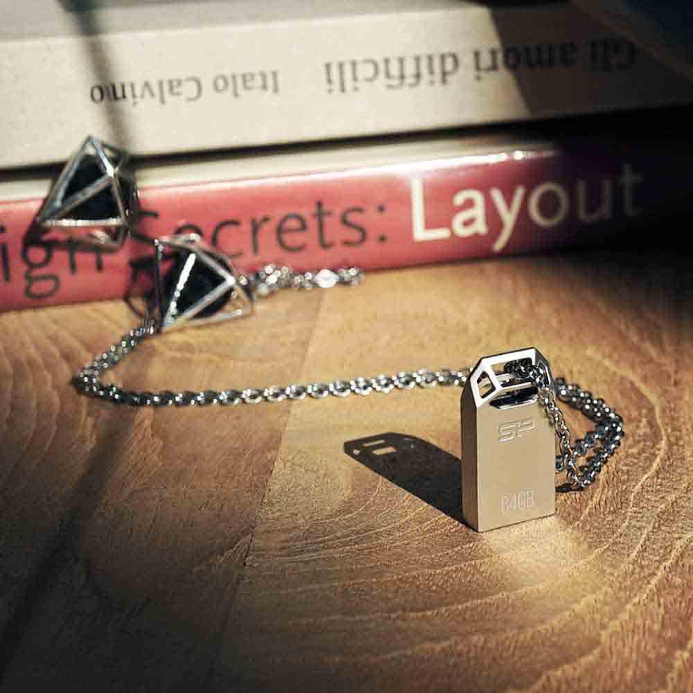 SP廣穎|Jewel J50 鏤空雕刻工藝隨身碟-USB 3.0-32GB(銀色)