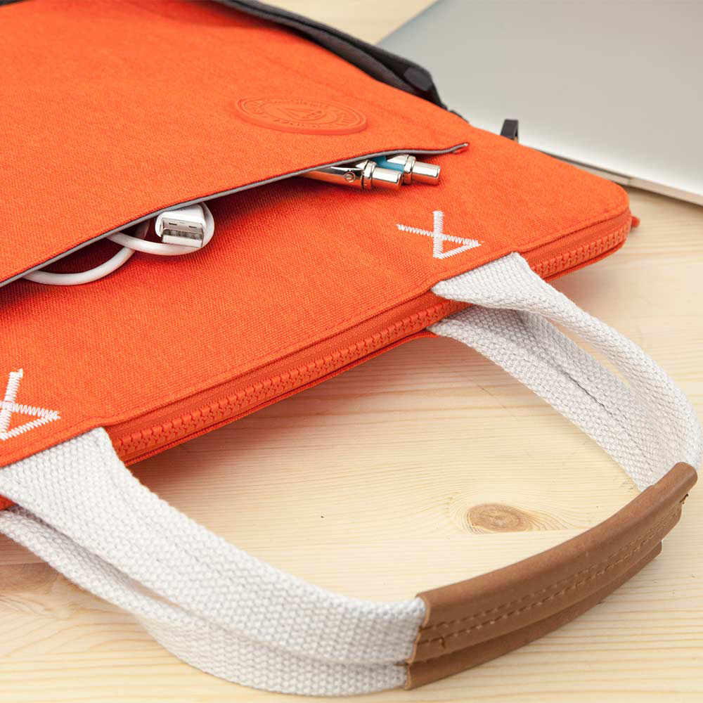 GOLLA | 北歐芬蘭時尚極簡輕便包16吋 G1704-橘