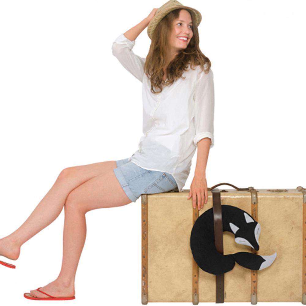 德國萊思綺Leschi|旅行枕頭/辦公室,教室午休枕頭(狐狸造型-黑色)