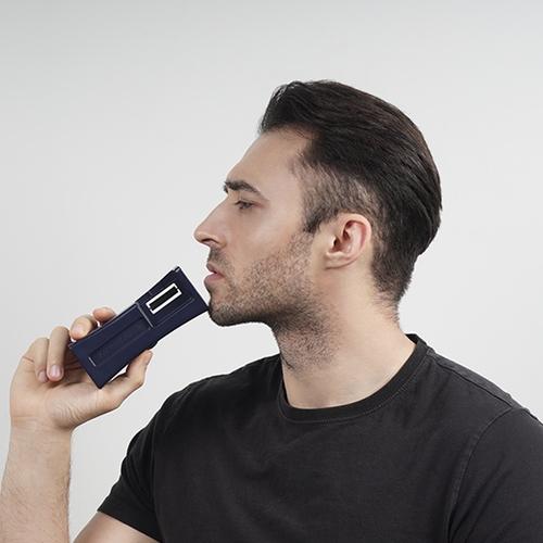 RAZOR BOOSTER 刮鬍刀潔淨器-黑色基本旅行款 (附30ml打磨劑/AA電池)