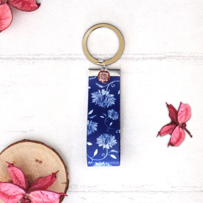 故宮精品 | 青花織帶鑰匙圈-藍