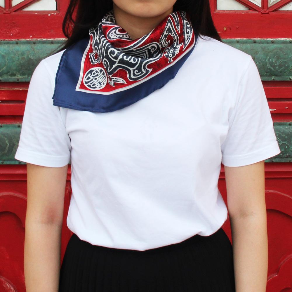 故宮精品|蟠龍紋盤絲巾 (紅)