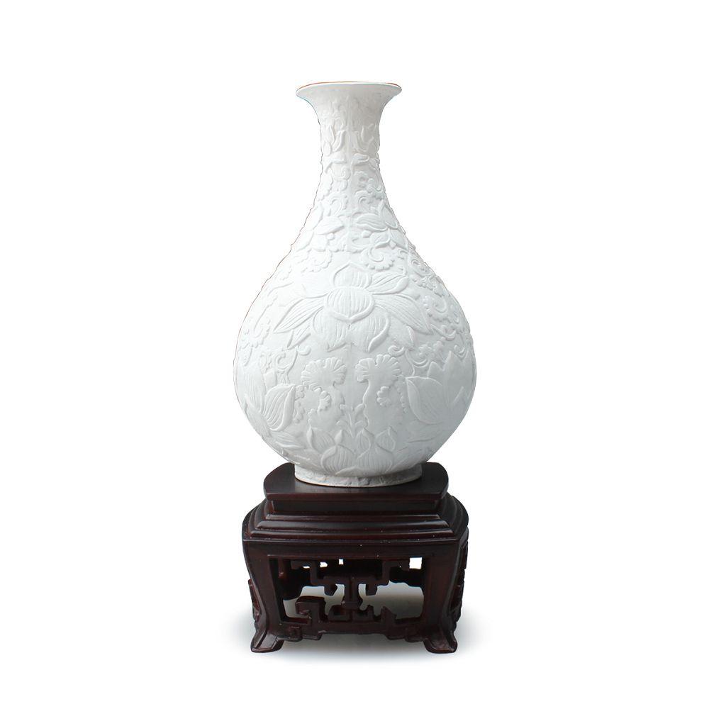 故宮精品 | 白釉雕花蓮花玉壺春瓶