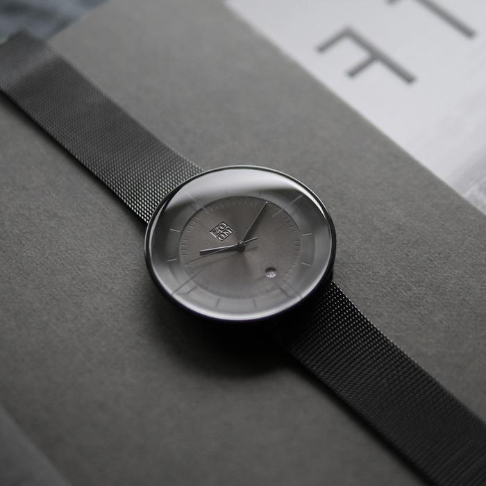 ZOOM │ FLOATING 光燦美學米蘭腕錶-黑/42.5mm