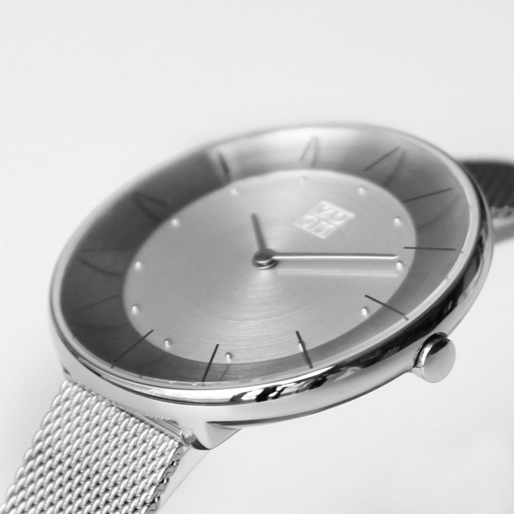 ZOOM|FLOATING 光感美學米蘭腕錶-銀/35mm