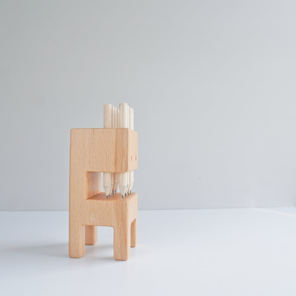 TOSMU 童心木|木製筆筒-牙怪
