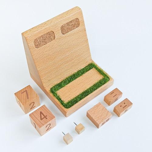 TOSMU 童心木|小草堆萬年曆