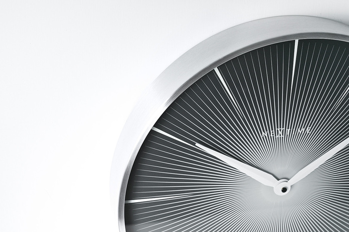 (複製)AMP|雙時制簡約典雅木紋掛鐘