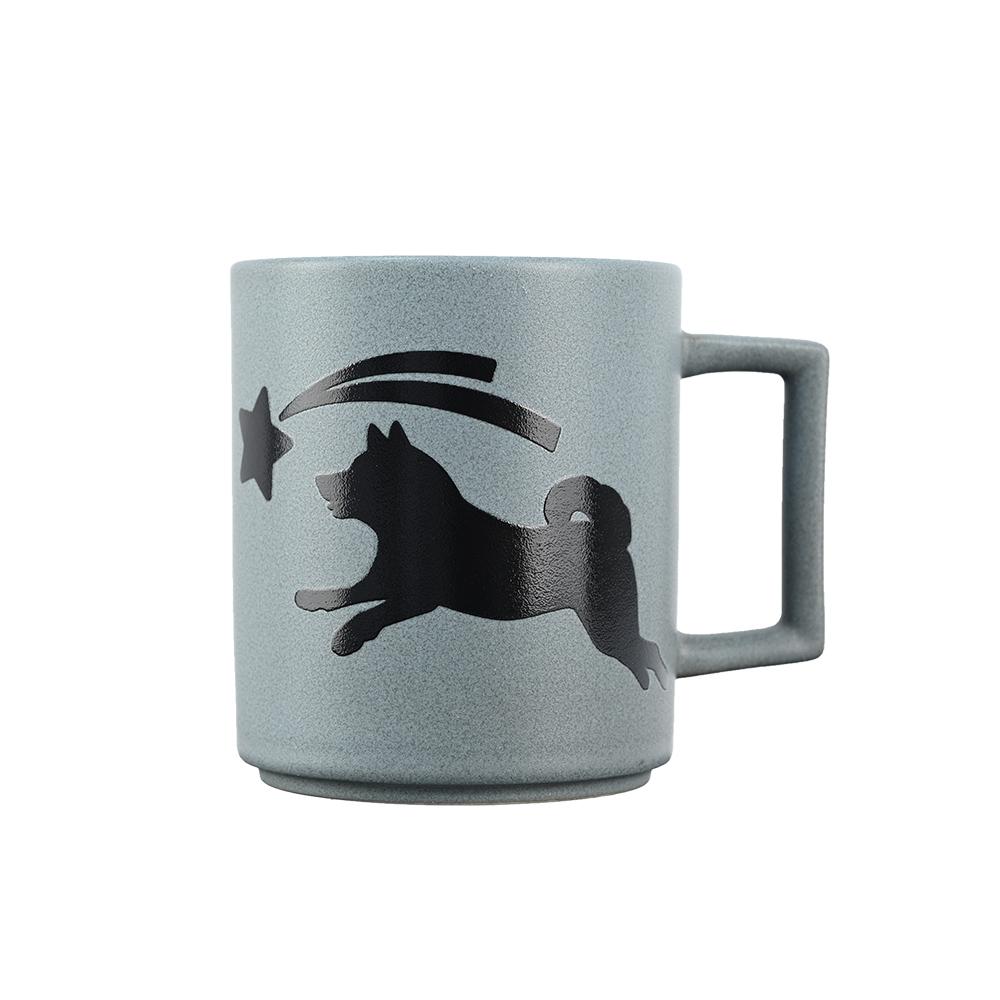 丸モ高木陶器|日本暖暖狗狗變色馬克杯-柴犬(藍灰)