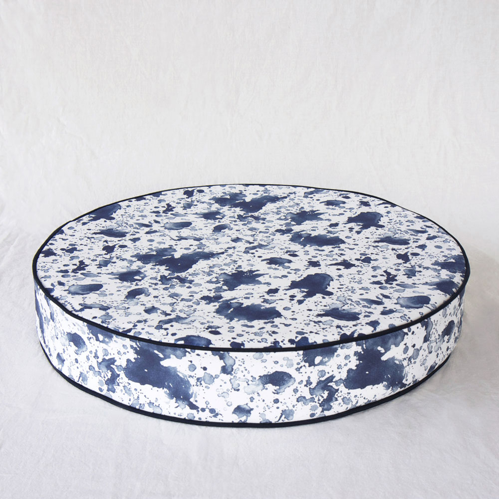 ERDA Living|瀟灑對策 靜心坐墊 (靛藍色 / 直徑60cmx高10cm)
