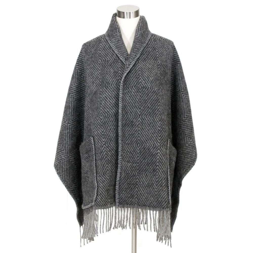 Lapuan Kankurit|MARIA羊毛口袋披肩 (深灰條紋)