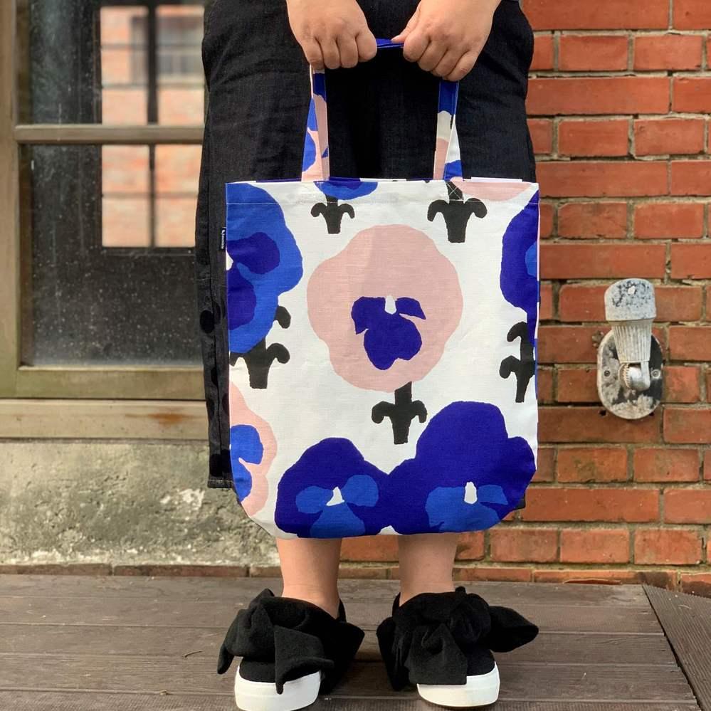 Kauniste 棉麻布包 (紫色三色堇)