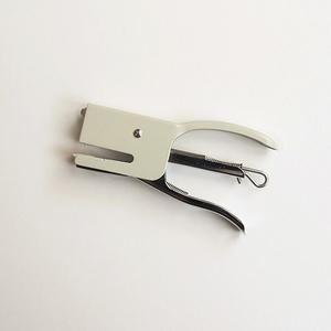 日本 DULTON|BONOX 手持小狗訂書機(米色)