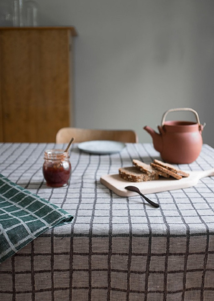 (複製)北歐風設計師款 – 格子桌巾, 紅色 (147X147cm) Rutig Tablecloth, Red