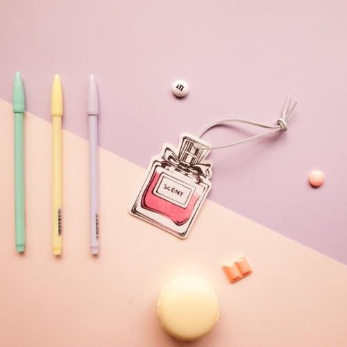 Scentlab 香氛實驗室 香水No.7香氛吊飾 (英國梨與小蒼蘭)