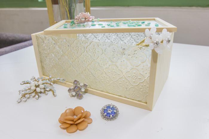 (複製)Hands|玻璃花窗生活系列 - 海棠花衛生紙盒