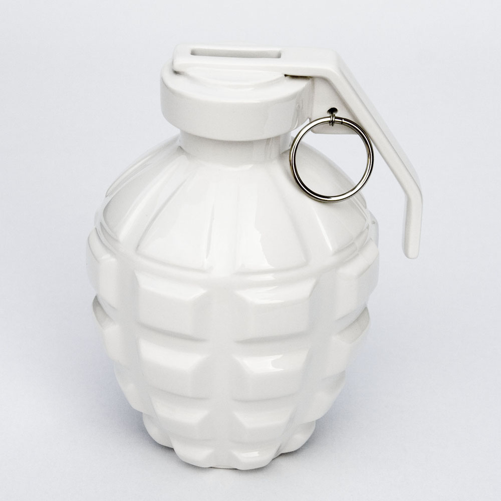 biaugust deco 反戰系列/一顆愛的手榴彈(存錢筒)