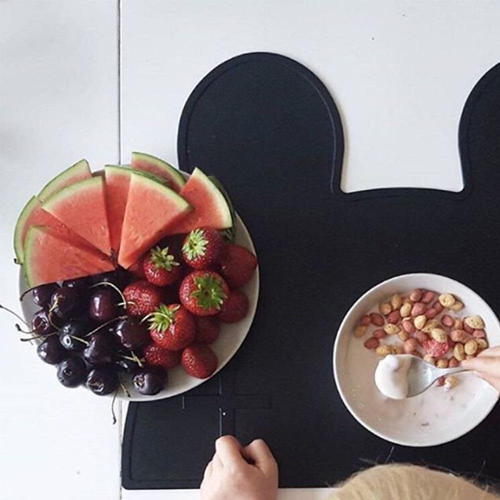 澳洲We Might Be Tiny|矽膠防滑餐墊兔寶寶-時尚黑