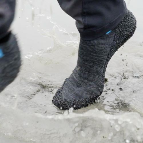 Skinners|裸足感耐磨機能運動鞋襪 (金屬灰)