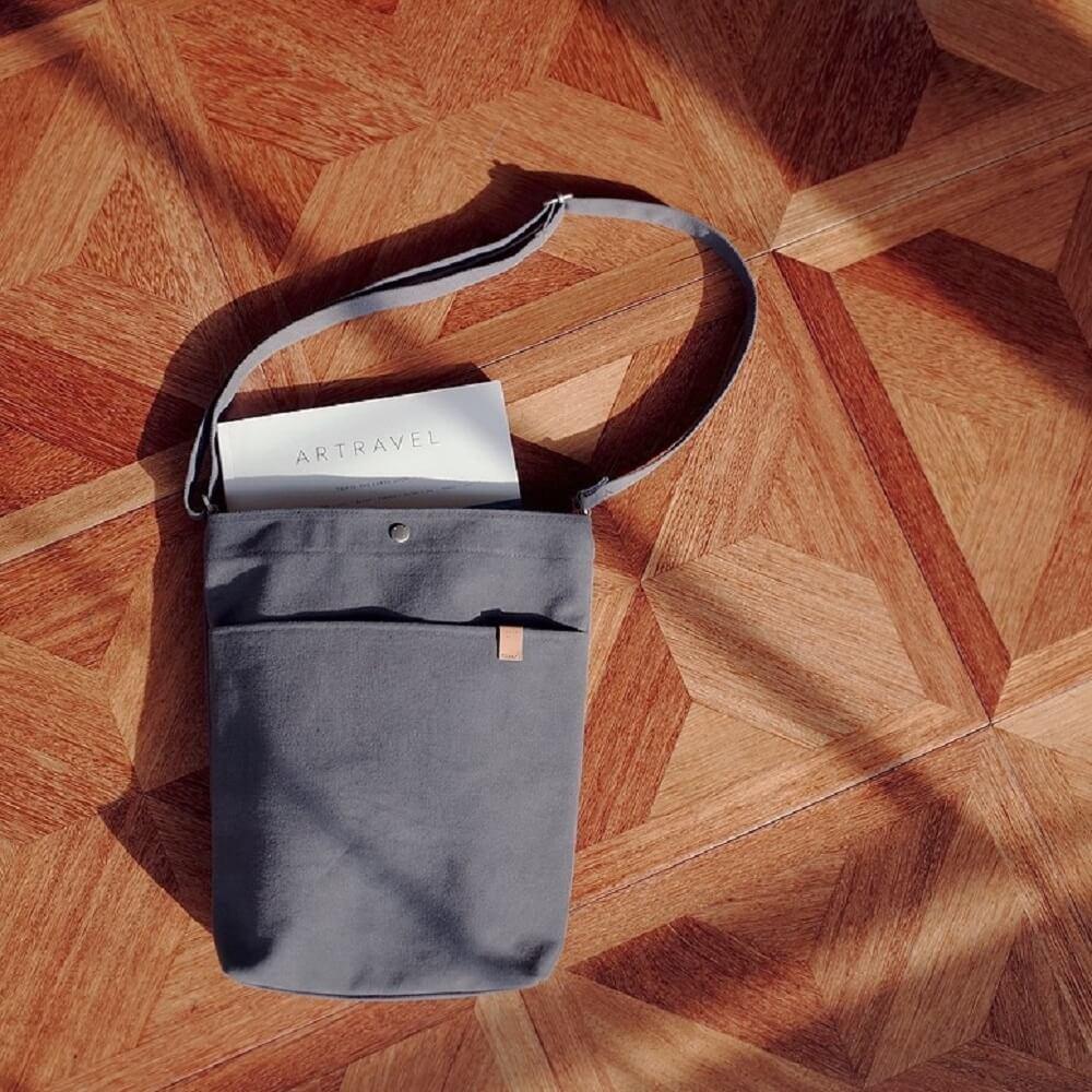 Daily mate|肩背水桶包(深灰)