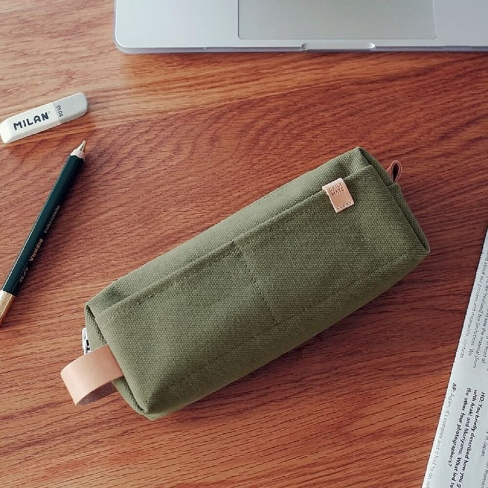 Daily mate|萬用鉛筆包(軍綠)