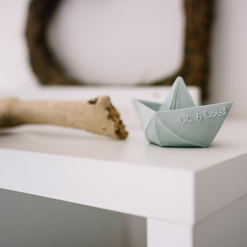 Oli&Carol|摺紙小船-粉綠