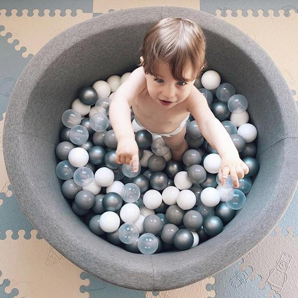 波蘭Misioo|遊戲球池-90x40淺灰(內含150顆球,粉藍、珍珠白、透明球三色)