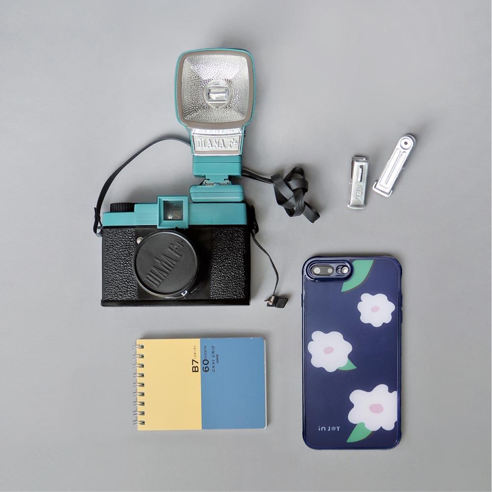 INJOY mall|iPhone 7 / 8 / Plus / X 青春洋溢花朵 耐撞擊邊框手機殼
