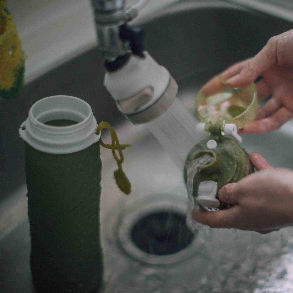 仁舟淨塑 捲捲矽水瓶(750ml)+矽吸管組