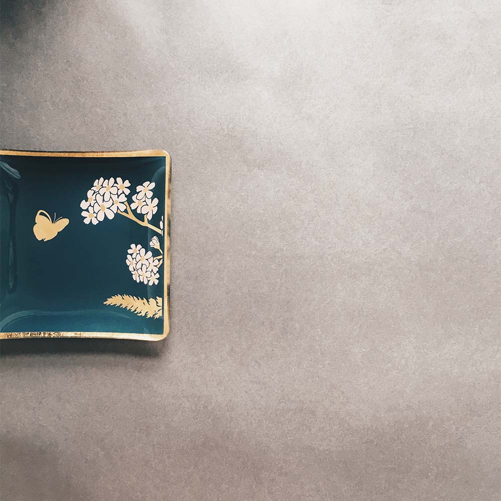 WEN PIIM | Venus Healing Gold Foil Square Plate with Butterfly x 維納斯的治癒方形器皿蝶舞款